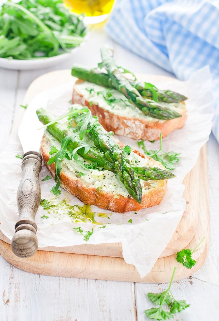 recette tartine asperge sauvage