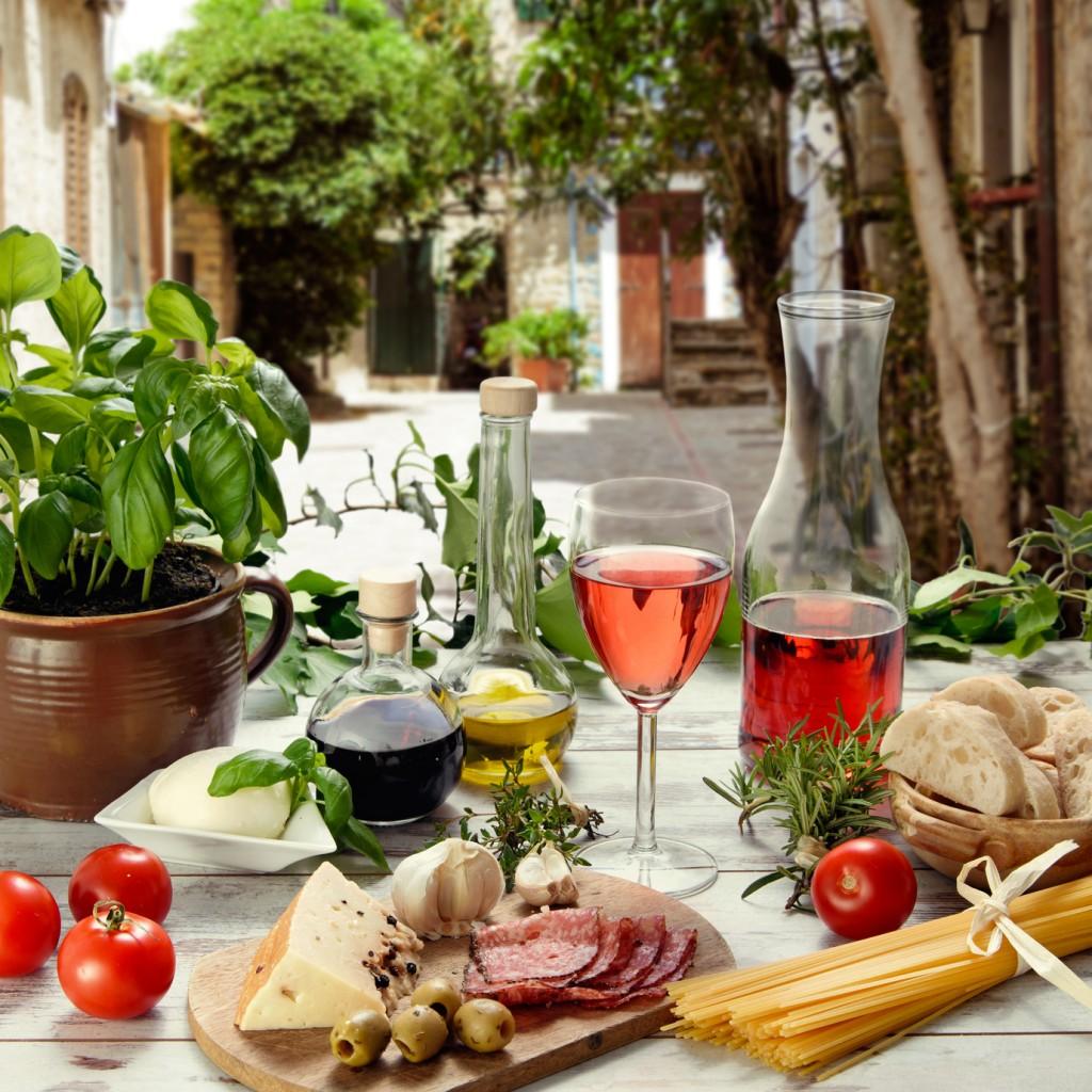 italienische Speisen im Restaurant im Freien