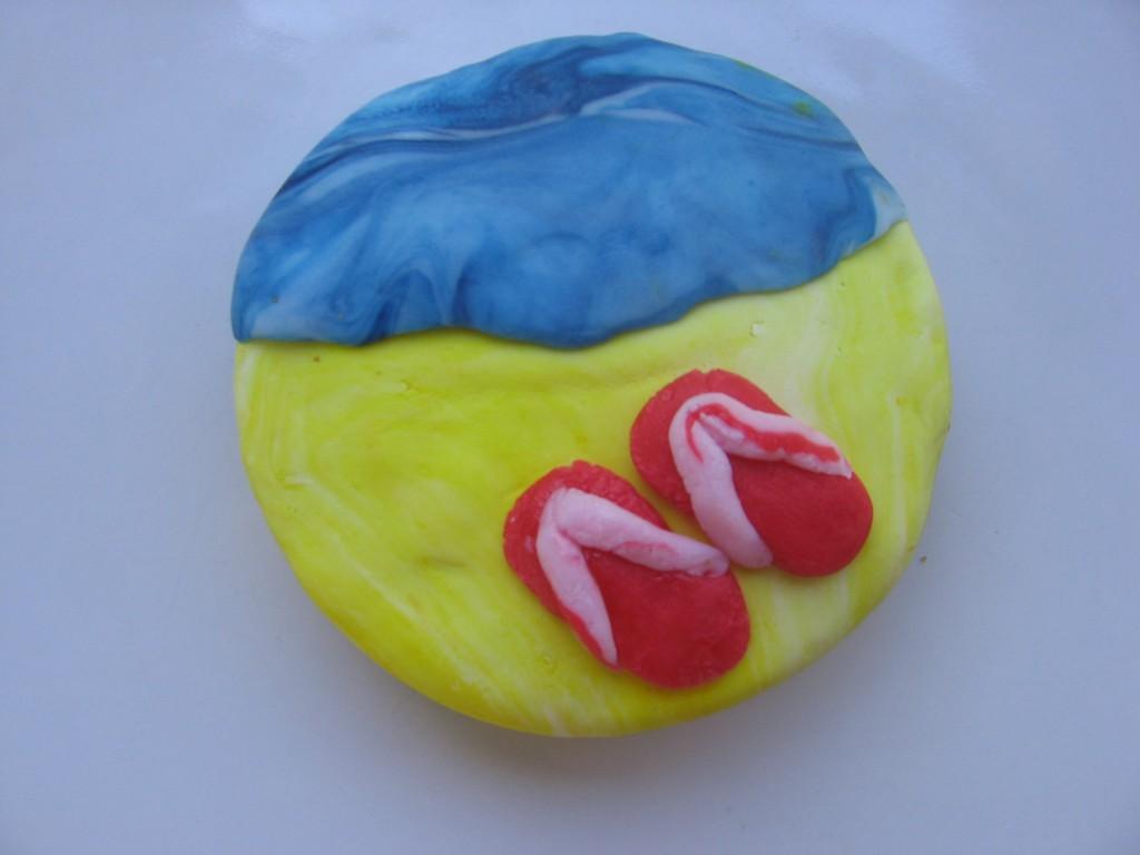 cupcake tong