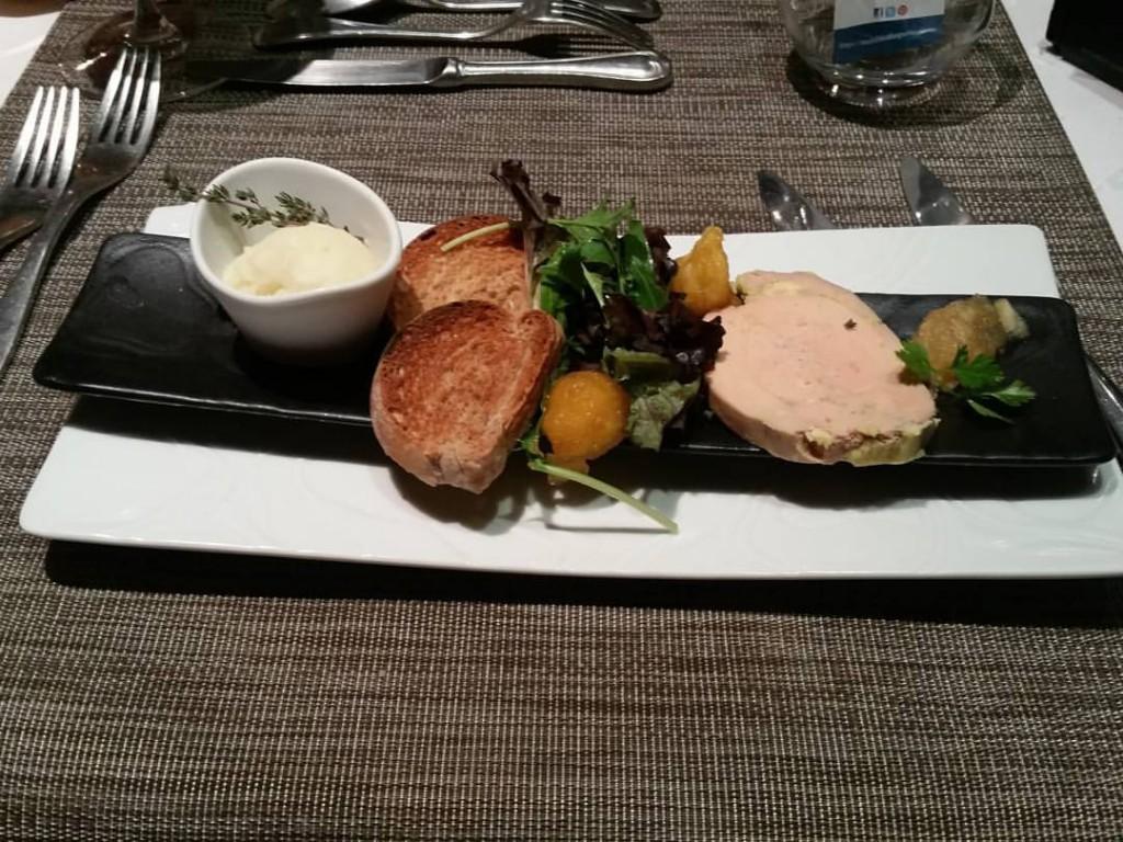 foie gras pomme table du roy salon