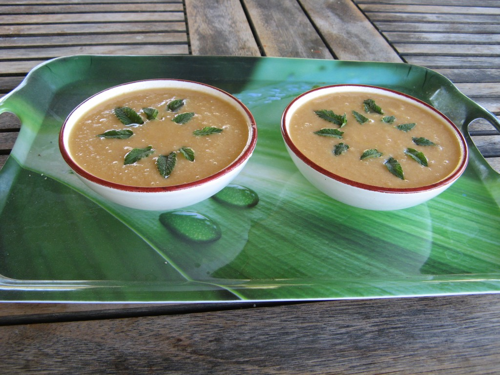 gaspacho-de-melon-à-la-menthe