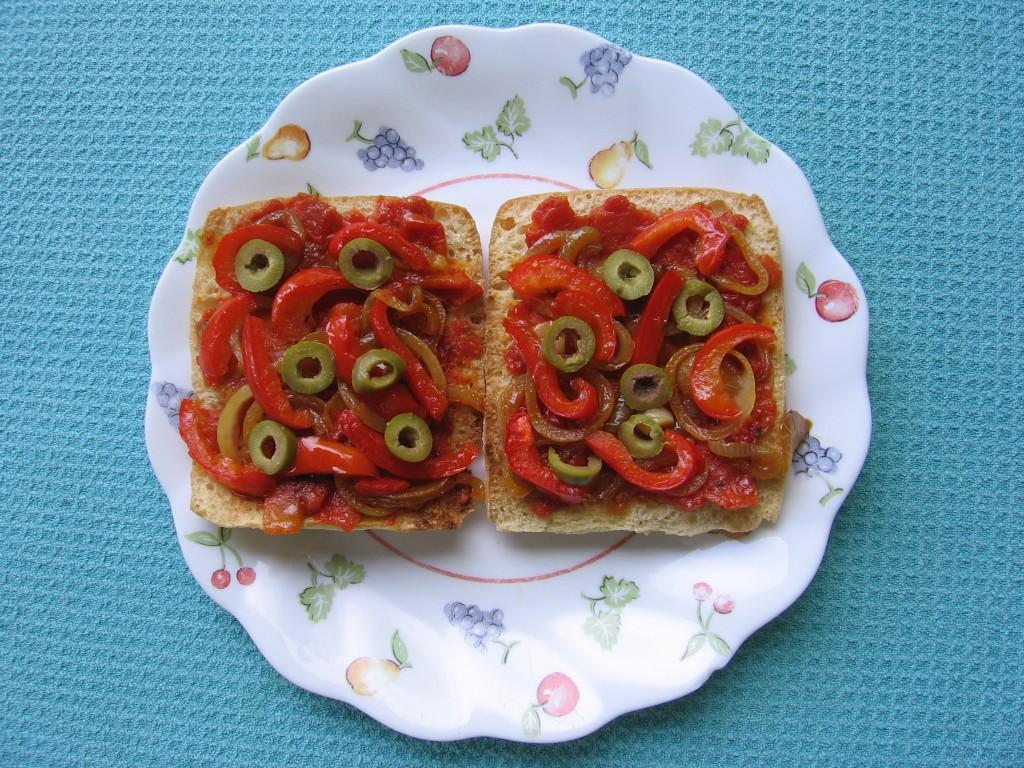 recette tartines tomate poivron oignon