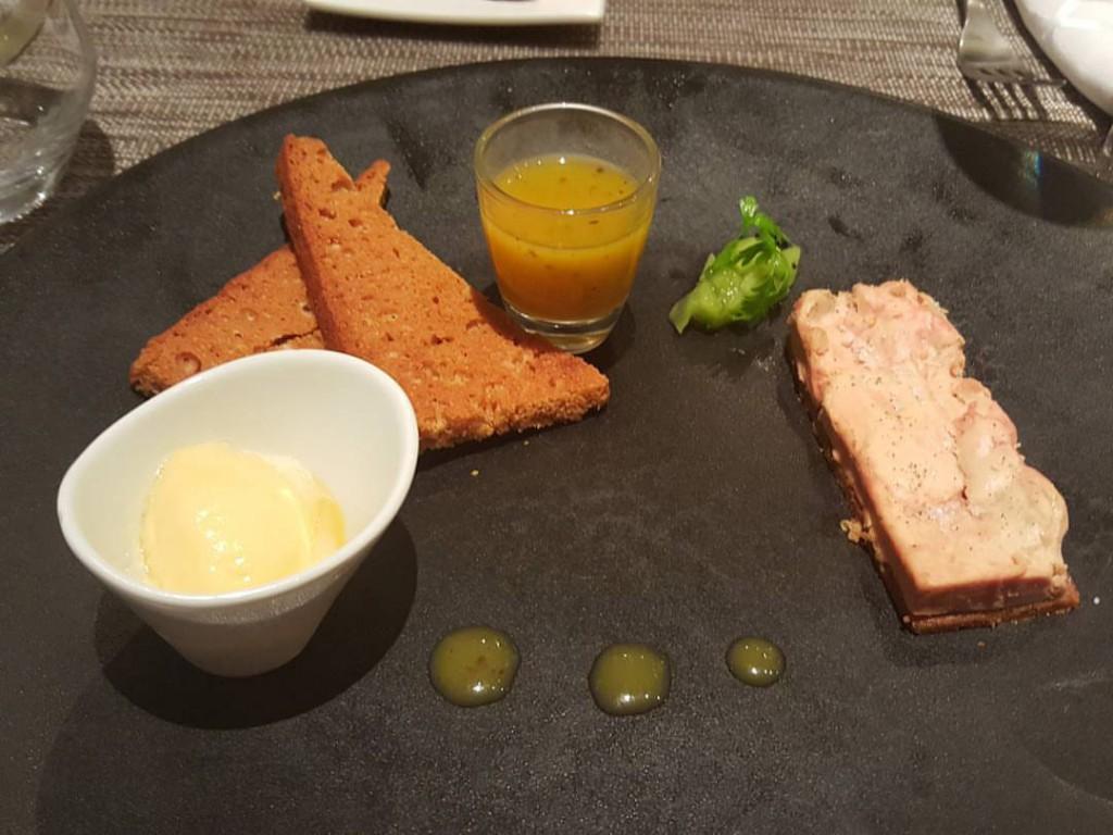 La table du roy salon mon restaurant gastronomique - Restaurant salon de provence la table du roy ...