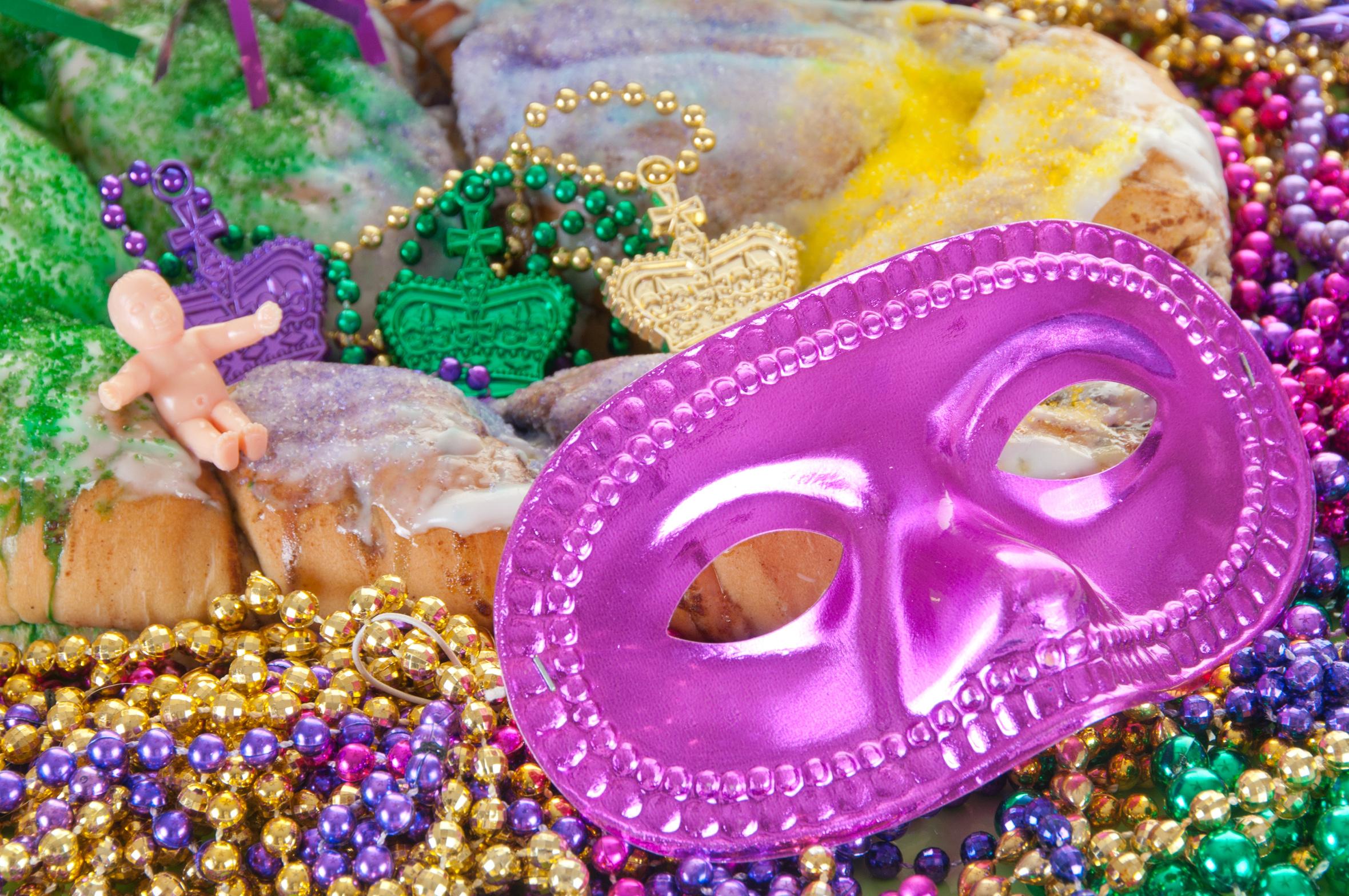 Le King Cake, un gâteau de fête très coloré
