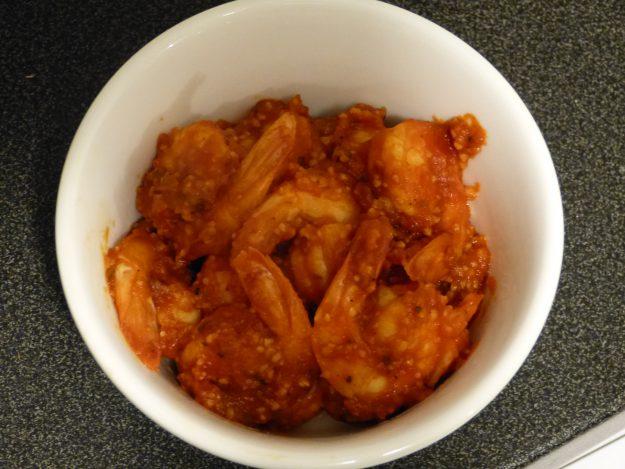 De délicieuses crevettes marinées à l'italienne