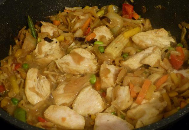 Wok de poulet au gingembre et au miel