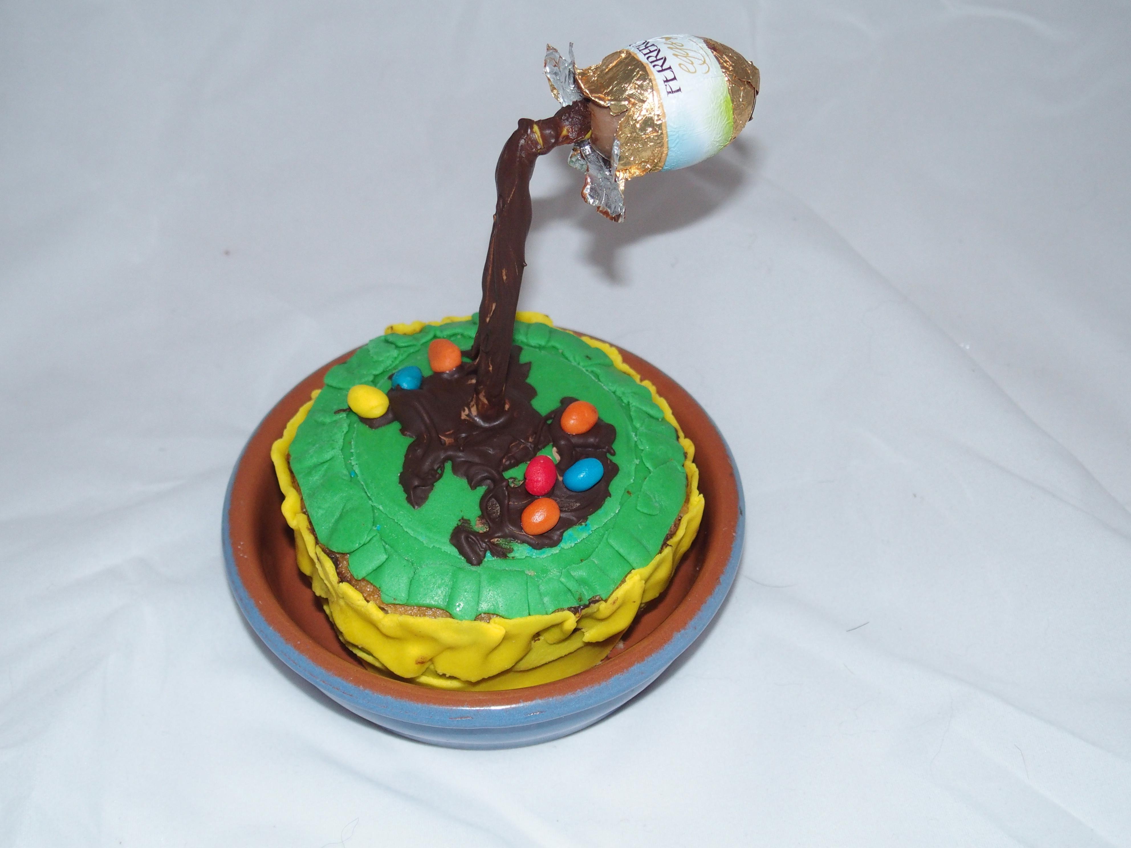 Une recette facile pour réaliser un joli Gravity Cake spécial Pâques