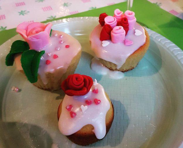 Des cupcakes au champagne pleins de surprises