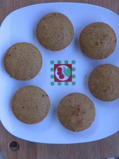 Des cupcakes surprises aux coeurs fruités