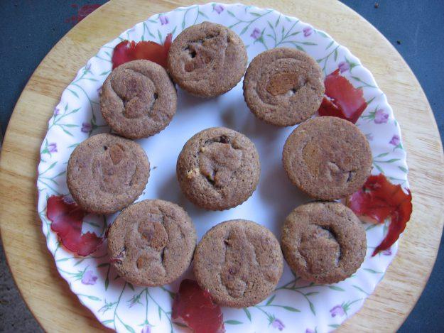 Petits muffins à la bresaola et aux noisettes