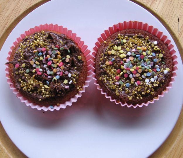 De délicieux muffins aux confettis multicolores