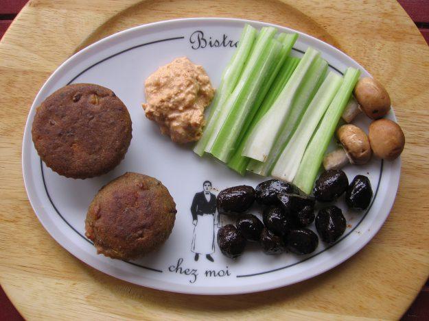 Mini-muffins aux allumettes de jambon fumé et mimolette