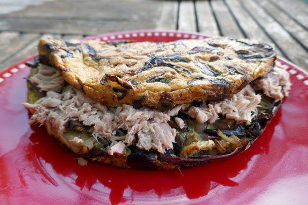 Omelette rustique au thon et aux champignons