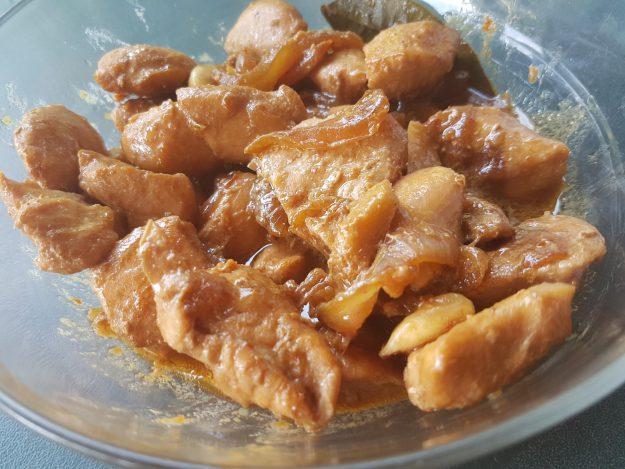 Poulet aux amandes et au gingembre