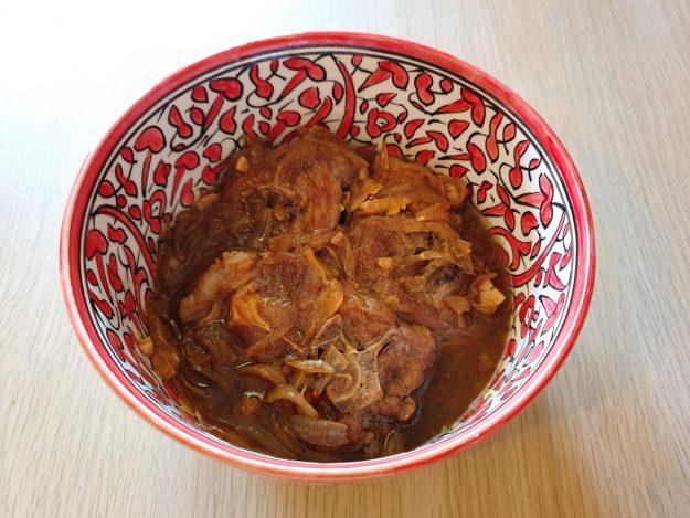 Recette de tajine d'agneau au gingembre, miel et piment