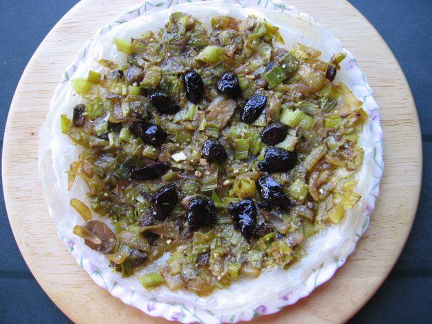Tarte aux poireaux, fromage de chèvre et champignons