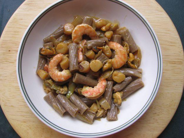 Tortiglioni aux crevettes et fruits de mer