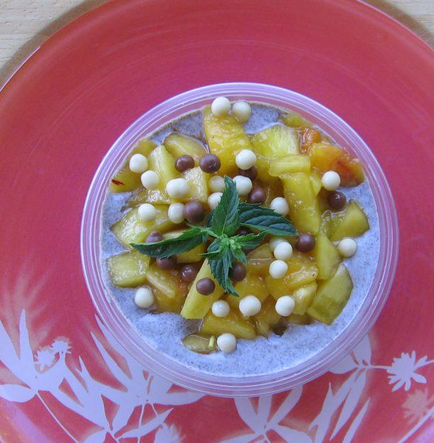 Verrine black & white aux fruits frais et Oréo