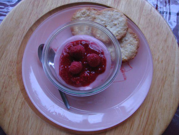 Verrine aux framboises à la crème sans lactose